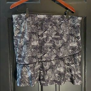 Made for Life black and white athletic skort XL
